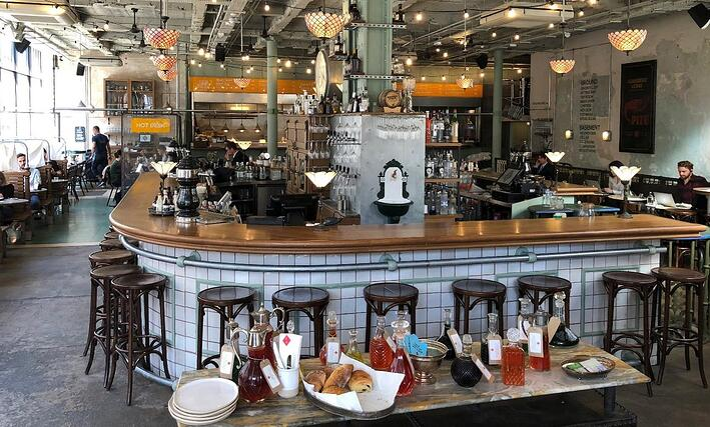 The Canova Hall bar and restaurant also offer hot desking.